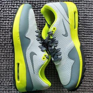 New women's Nike Air Max 1 golf